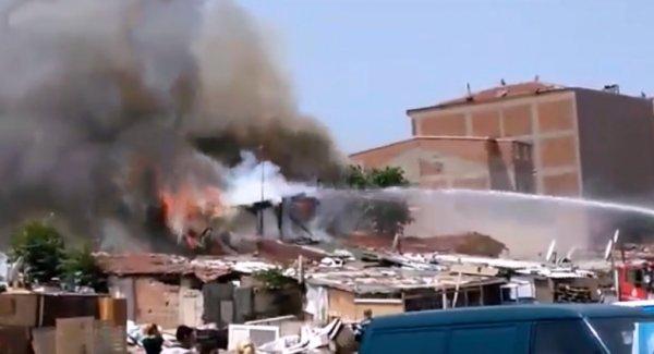 Roman Vatandaşların Bulunduğu Binada Yangın...