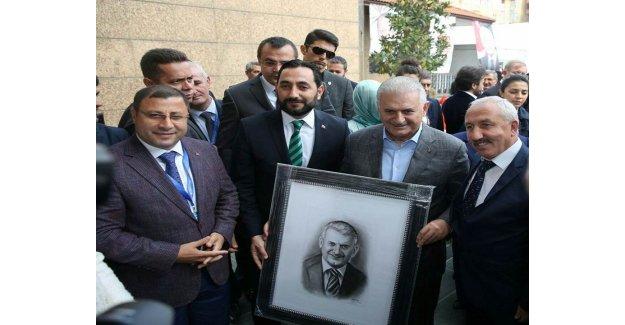 Rıfat Kutlu ve Metin Karakaş'tan Başbakan'a Sürpriz Hediye…