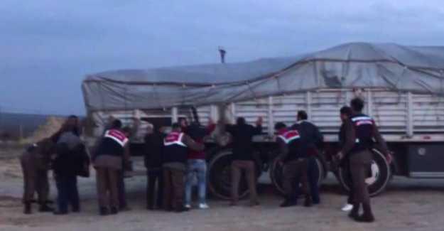 Silivri'de Tavuk Çiftliği Görünümünde Akaryakıt Kaçakçılığı… VİDEO HABER