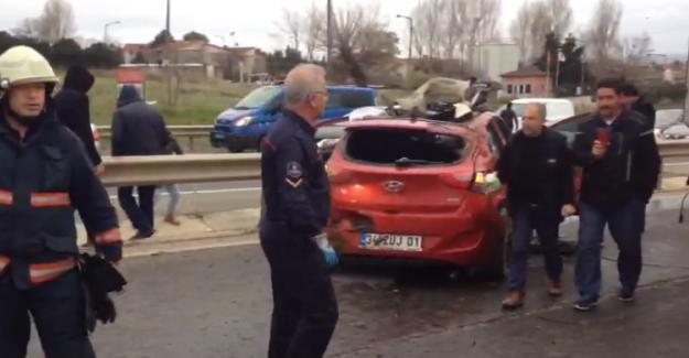 Silivri'de Bariyere Çarpan Araçta 4 Yaralı Var…