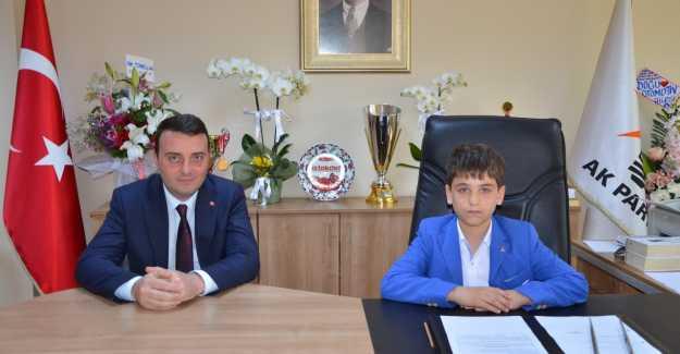AK Parti Silivri İlçe Başkanı Değişti...