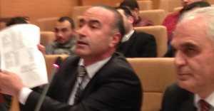 Özcan Işıklar, Osman Umuç'un Sesini Kıstırdı... VİDEO HABER