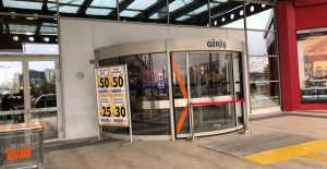 Silivri AVM Otomatik Kapıyı Neden Açmıyor?