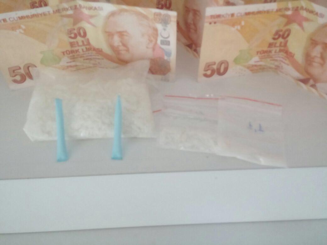 Silivri'de Uyuşturucu İmalatçılarında Sahte Para da Çıktı...