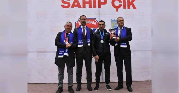 "BAŞKAN YILMAZ'DAN ""TAKIMINA SAHİP ÇIK"" KAMPANYASI"