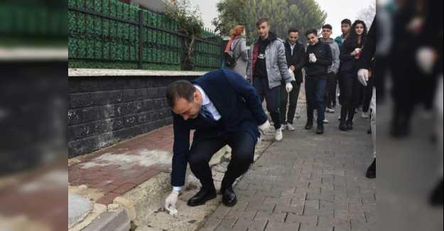 BAŞKAN YILMAZ ÖĞRENCİLERLE BİRLİKTE ÇÖP TOPLADI...