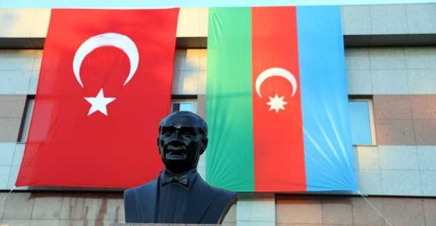 BAŞKAN YILMAZ'DAN AZERBAYCAN'A BAYRAKLI DESTEK
