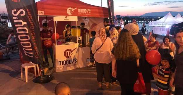 Moody's Cafe Yoğurt Festivali'nde Gönülleri Fethetti!