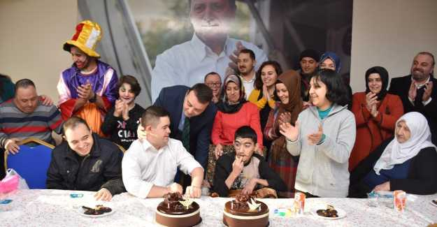 AK PARTİ'DEN ENGELLİLERE MUHTEŞEM PROGRAM...