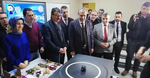Silivri'de Robotik Kodlama ile Yapılan Robotlar Üretildi...