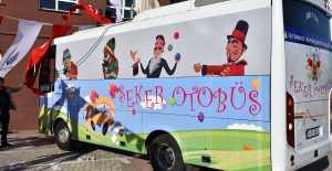 Çocuklar Şeker Otobüs Ayağınıza Geldi Kaçırmayın...